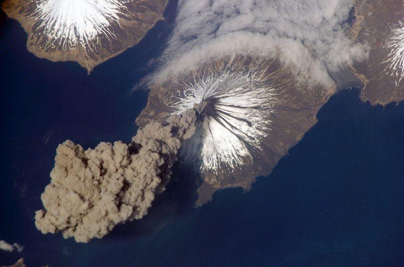 Volcano Eruption Wallpaper Download 800x530