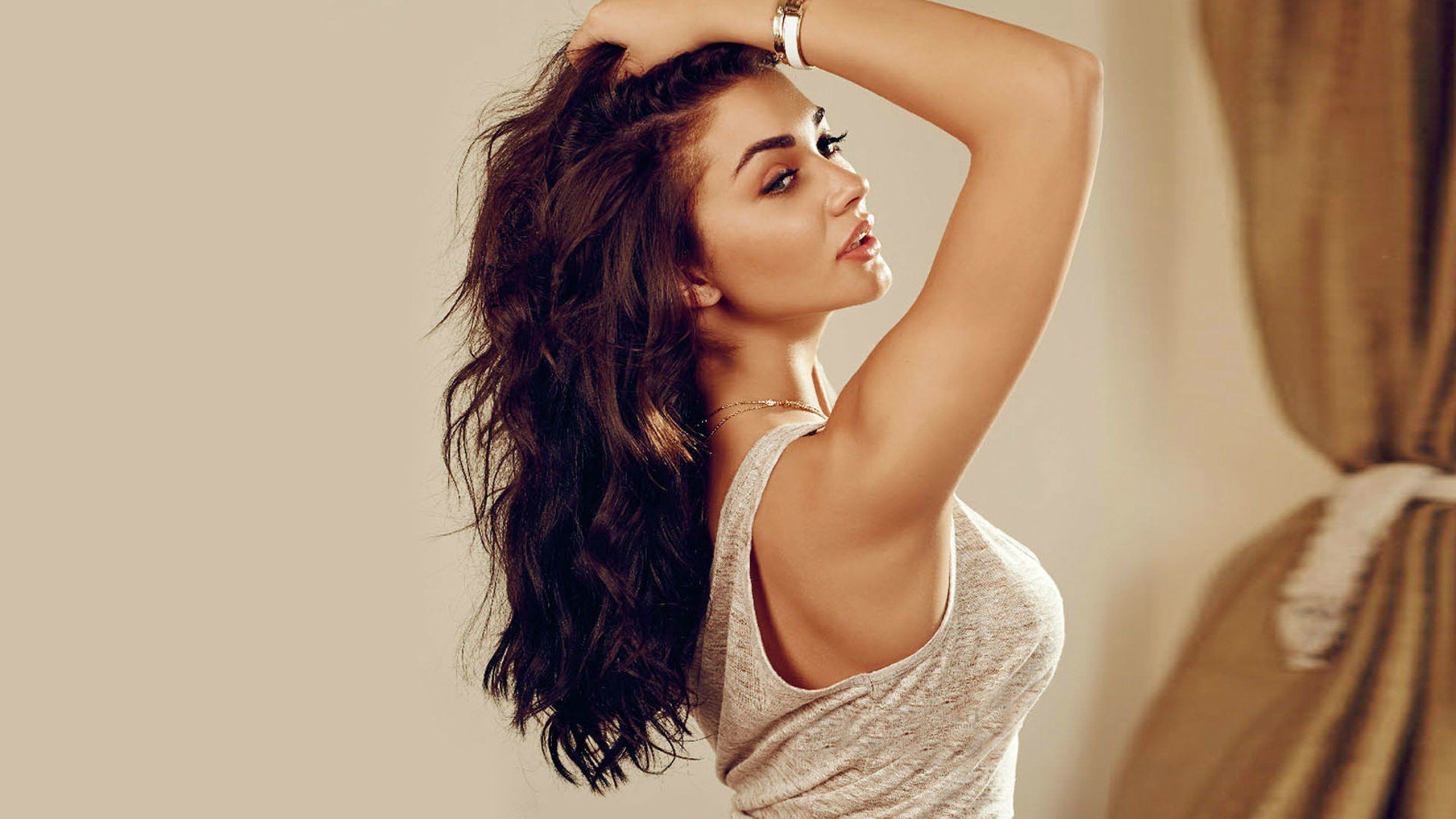 bollywood girl hottie actress Amy Jackson beauty movie photos 2560x1440