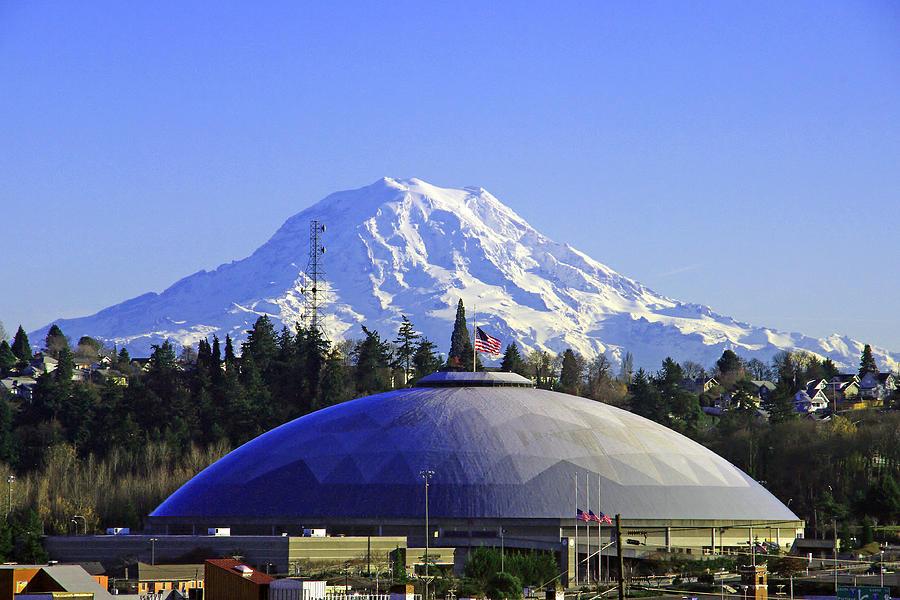 Tacoma Dome N Mt Rainier by Jack Moskovita 900x600