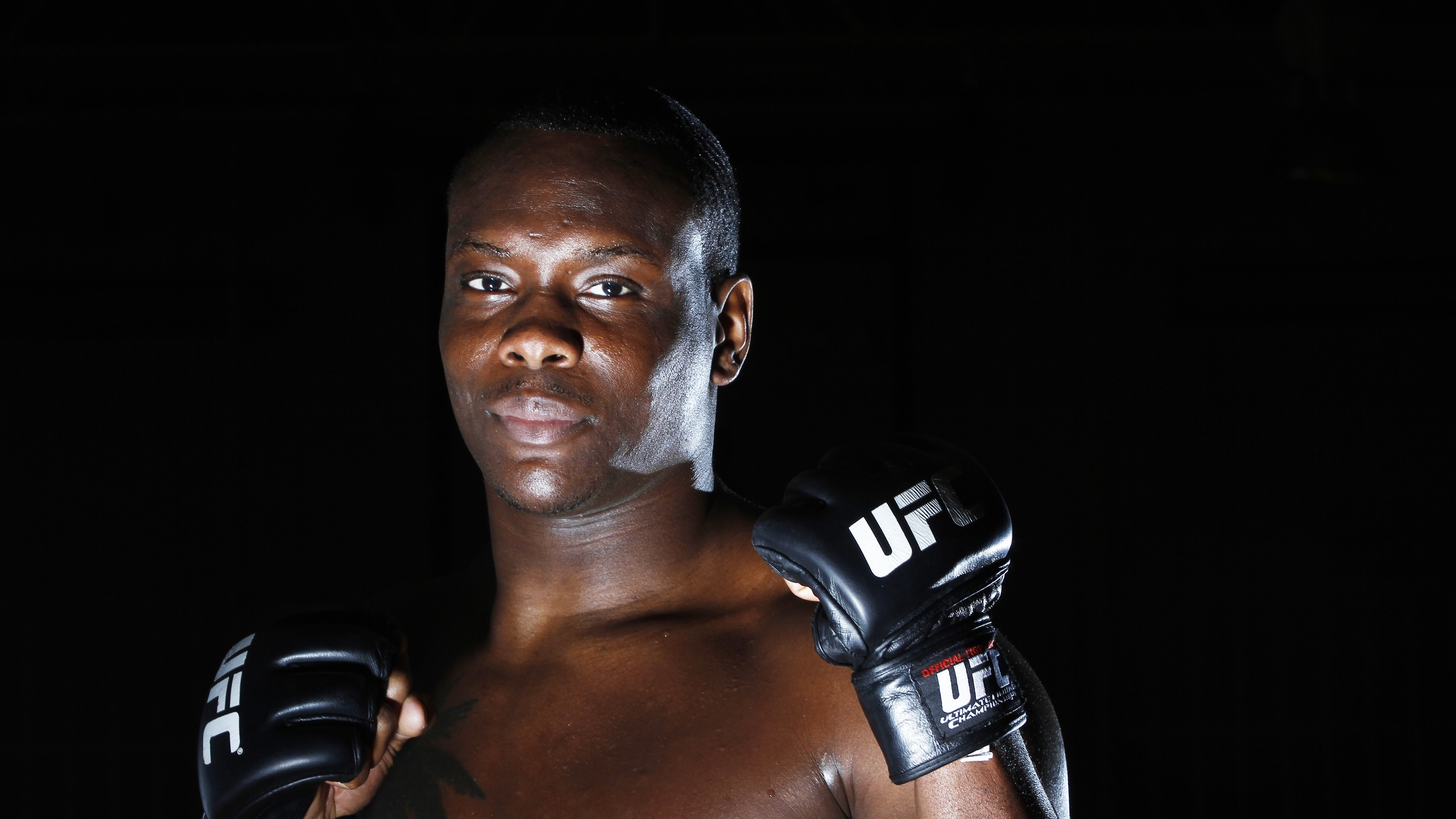 Download wallpaper 2560x1440 ovince saint preux ultimate fighting 2560x1440