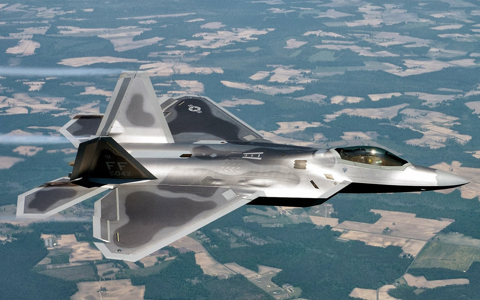 22 Raptor Wallpapers LockheedMartin F 22 Raptor Desktop Wallpapers 1600x1000