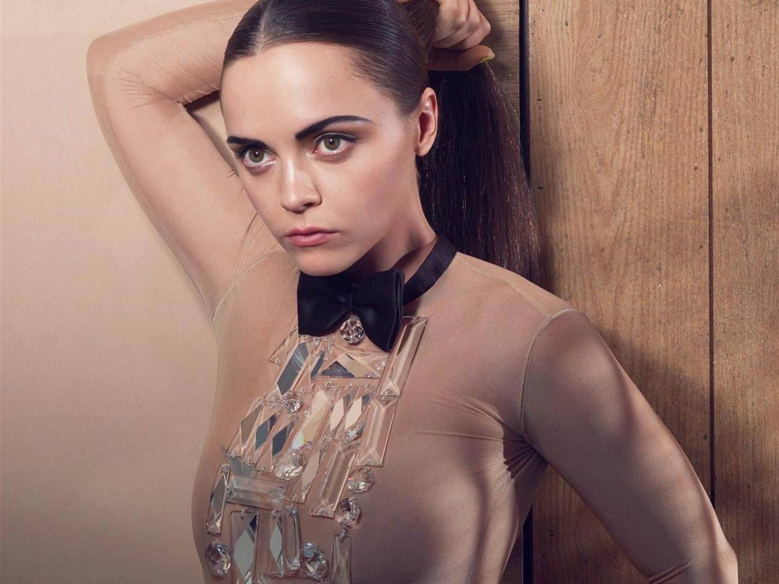 Christina Ricci Hot Actress Wallpaper Blip Fun Online 1600x1200