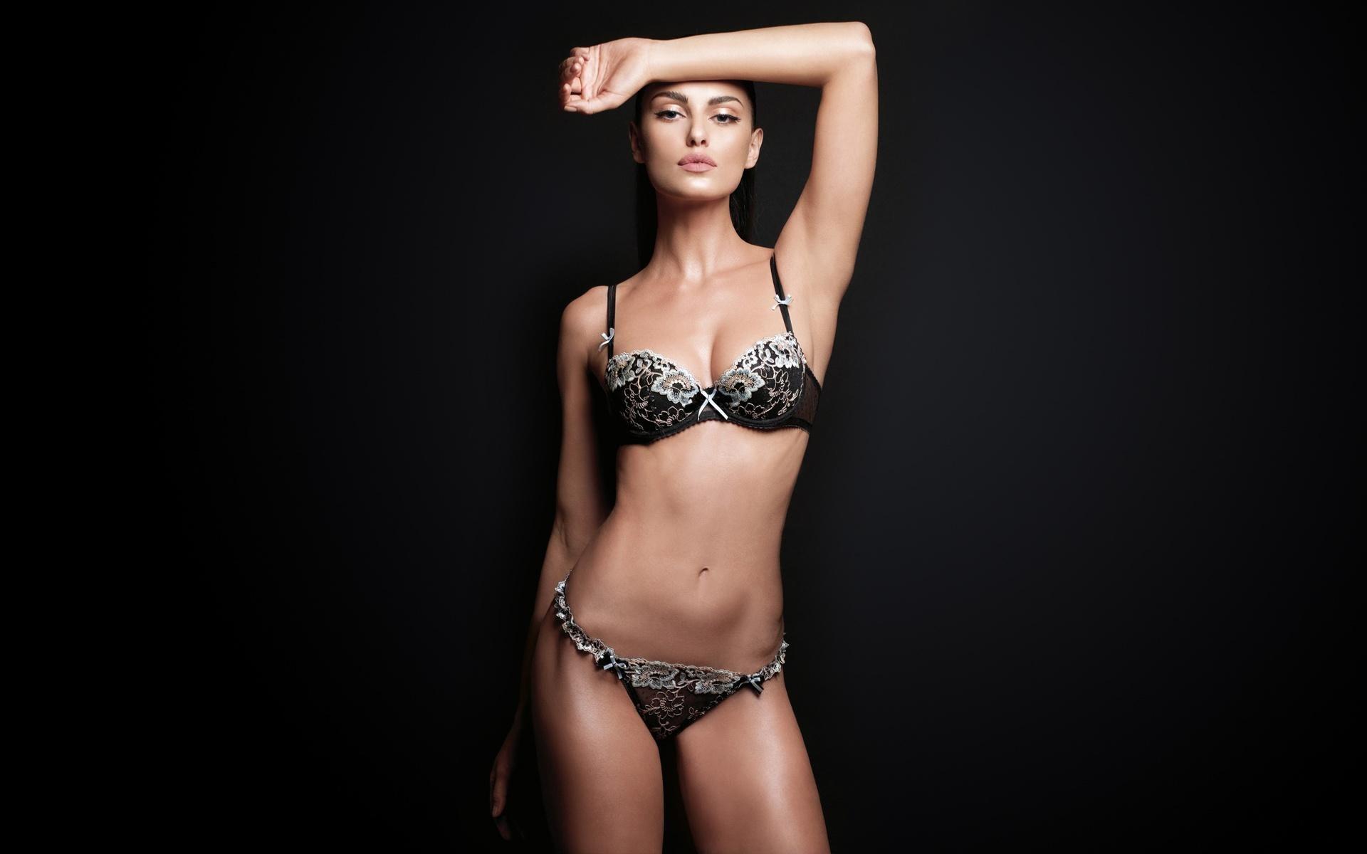 Hot Bikini Model Wallpaper 015   Hot Bikini Models Wallpapers 1920x1200
