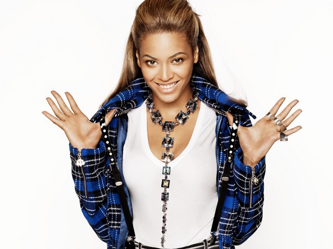 Beyonce   Beyonce Wallpaper 32537899 1280x960