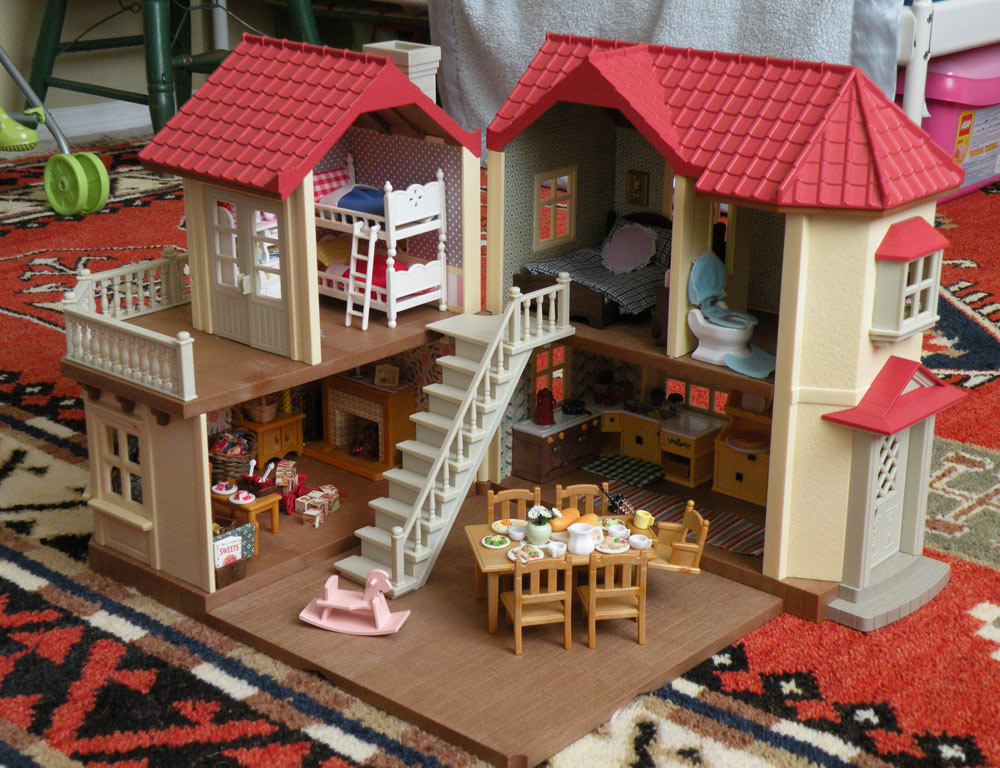 Calico Critters Sylvanian Families Luxury Townhouse with Custom 1000x768