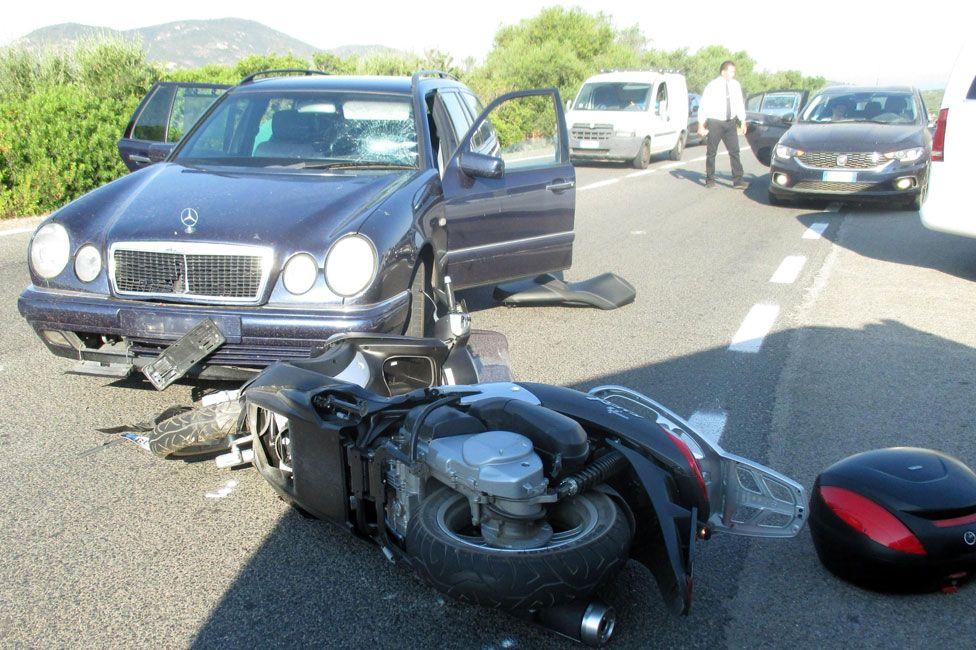 George Clooney injured in Italian motorbike crash   BBC News 976x650