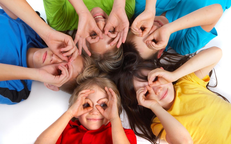 download Cute Kids Play Wallpaper Desktop Background 1440x900