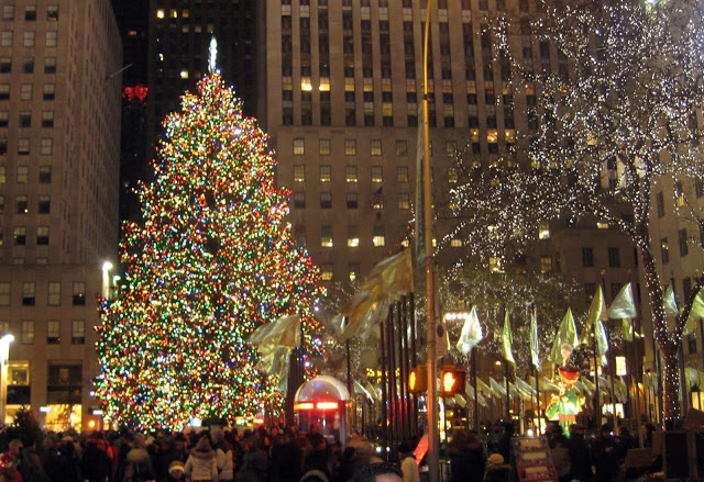 The fabulous Christmas tree at the Rockefeller Center 640x439