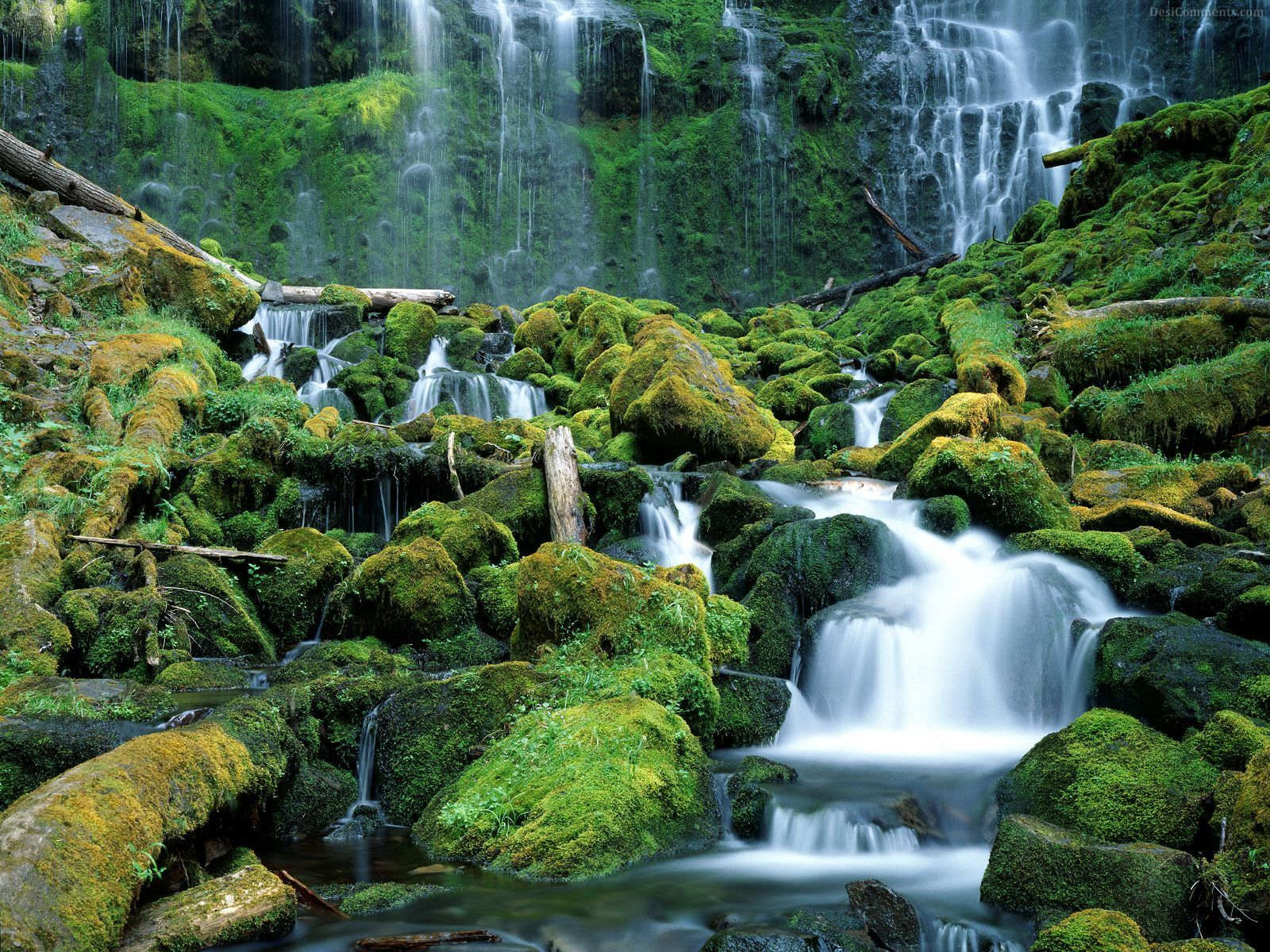 Waterfall Wallpaper 87 1600x1200