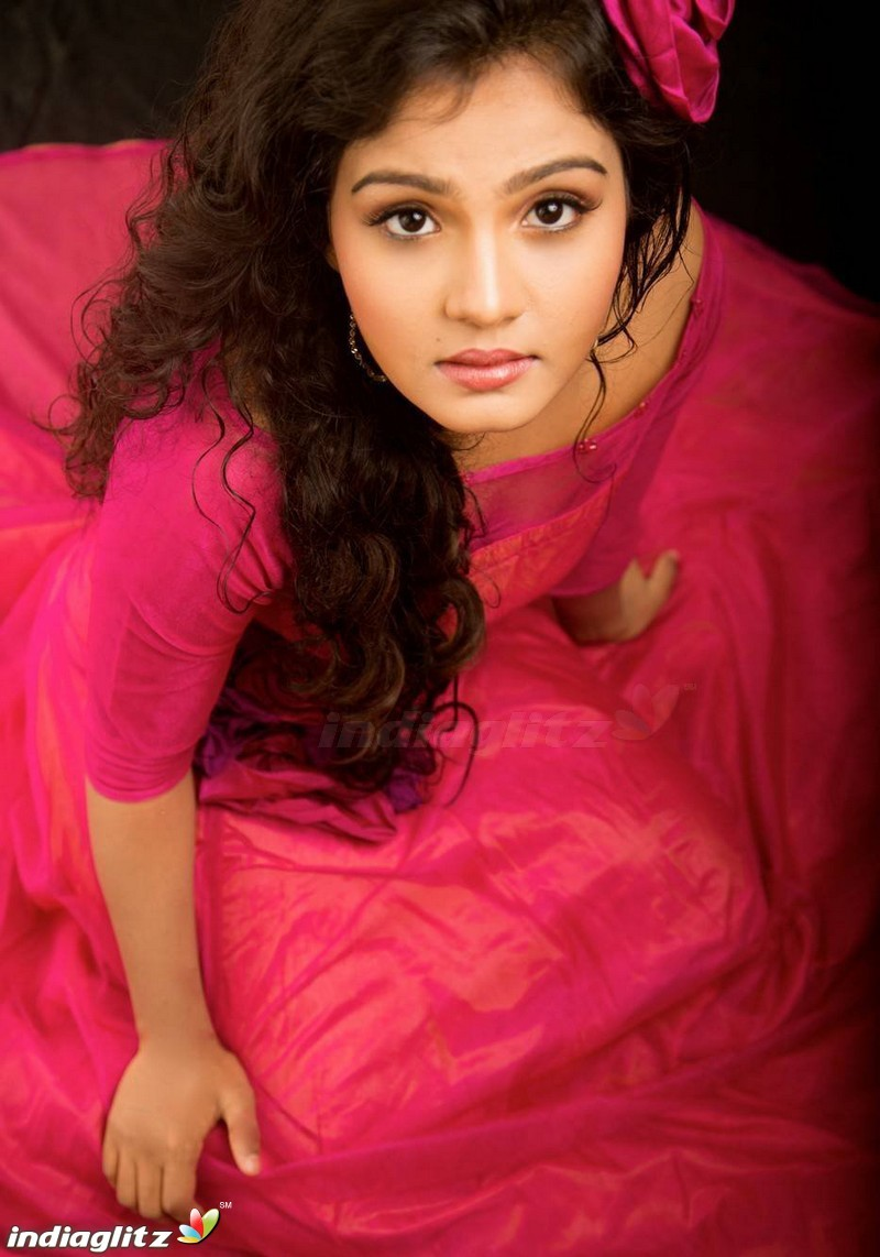 Maya Photos   Telugu Actress photos images gallery stills and 800x1142
