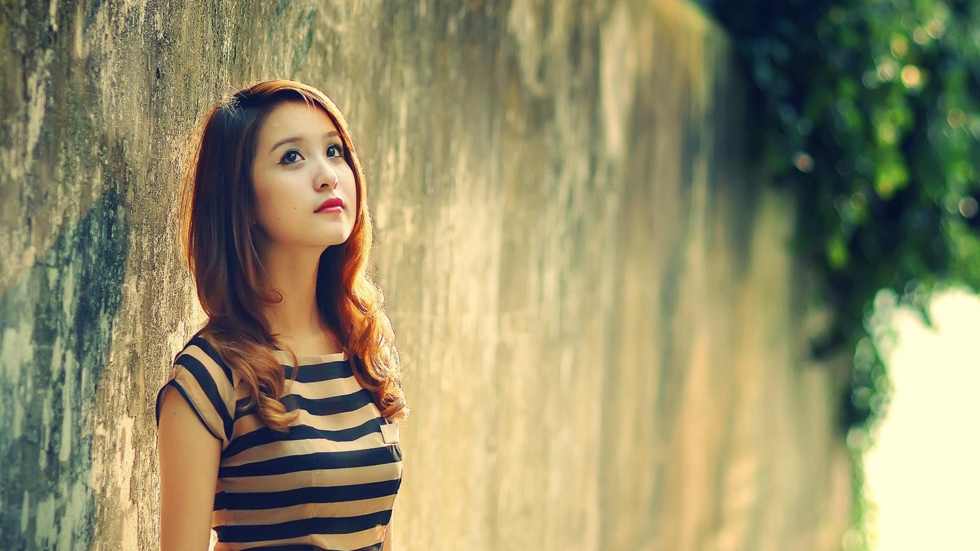 Full HD Wallpaper dreamy stone long hair blurry Desktop 1920x1080