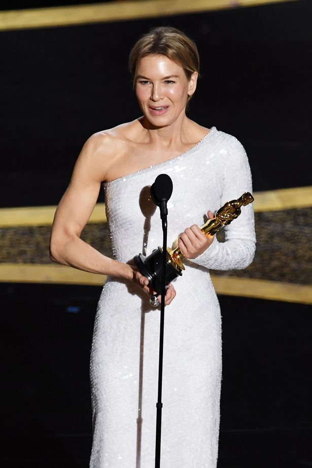 Rene Zellweger wins Best Actress Oscar for Judy and pays tribute 615x923