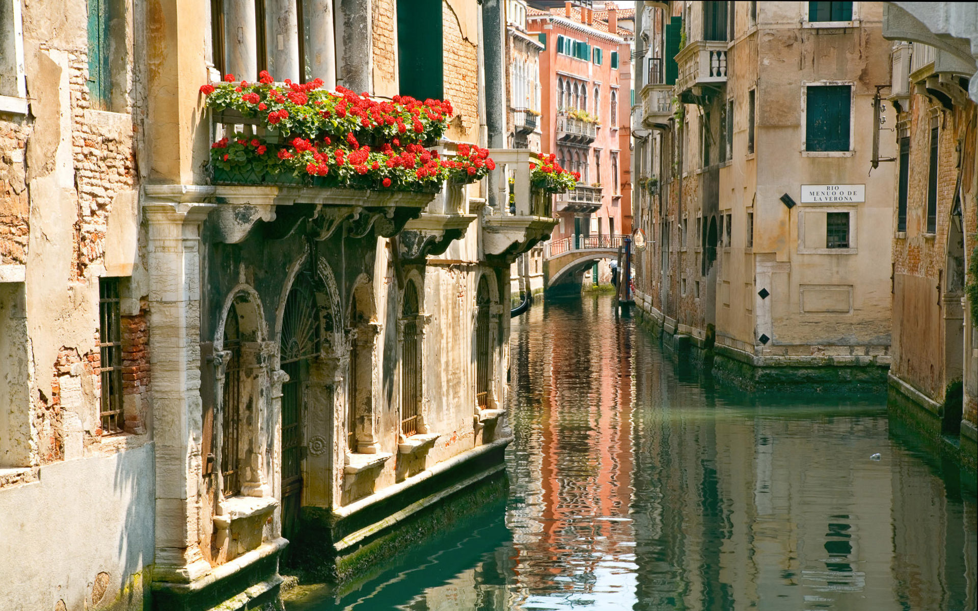 wallpaper venice italy canal flowers desktop wallpaper a world