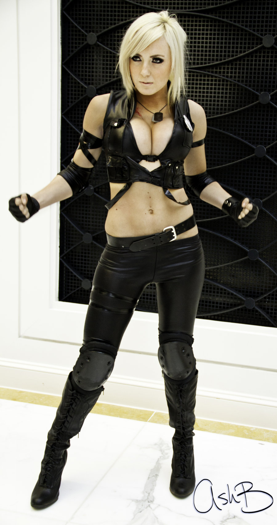 Jessica Nigri as Sonya Blade by AshBimages 900x1701