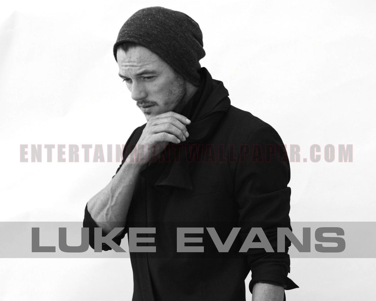 Luke Evans Wallpaper 1280x1024