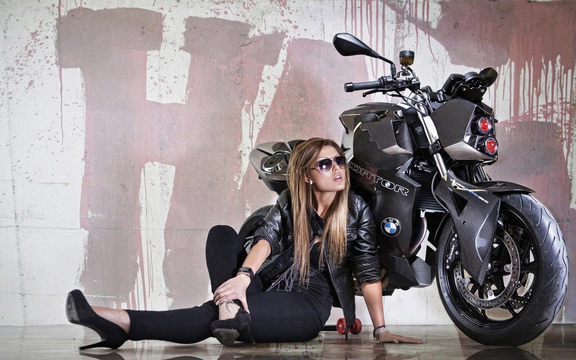 BMW F800R Girl Motorcycle HD Wallpaper 1920x1200
