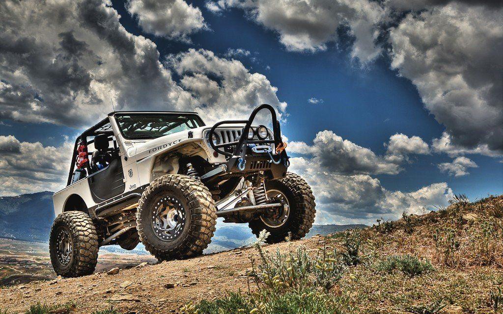 Wallpaper de paisagem com big Jeep Wrangler TJ branco 1024x640