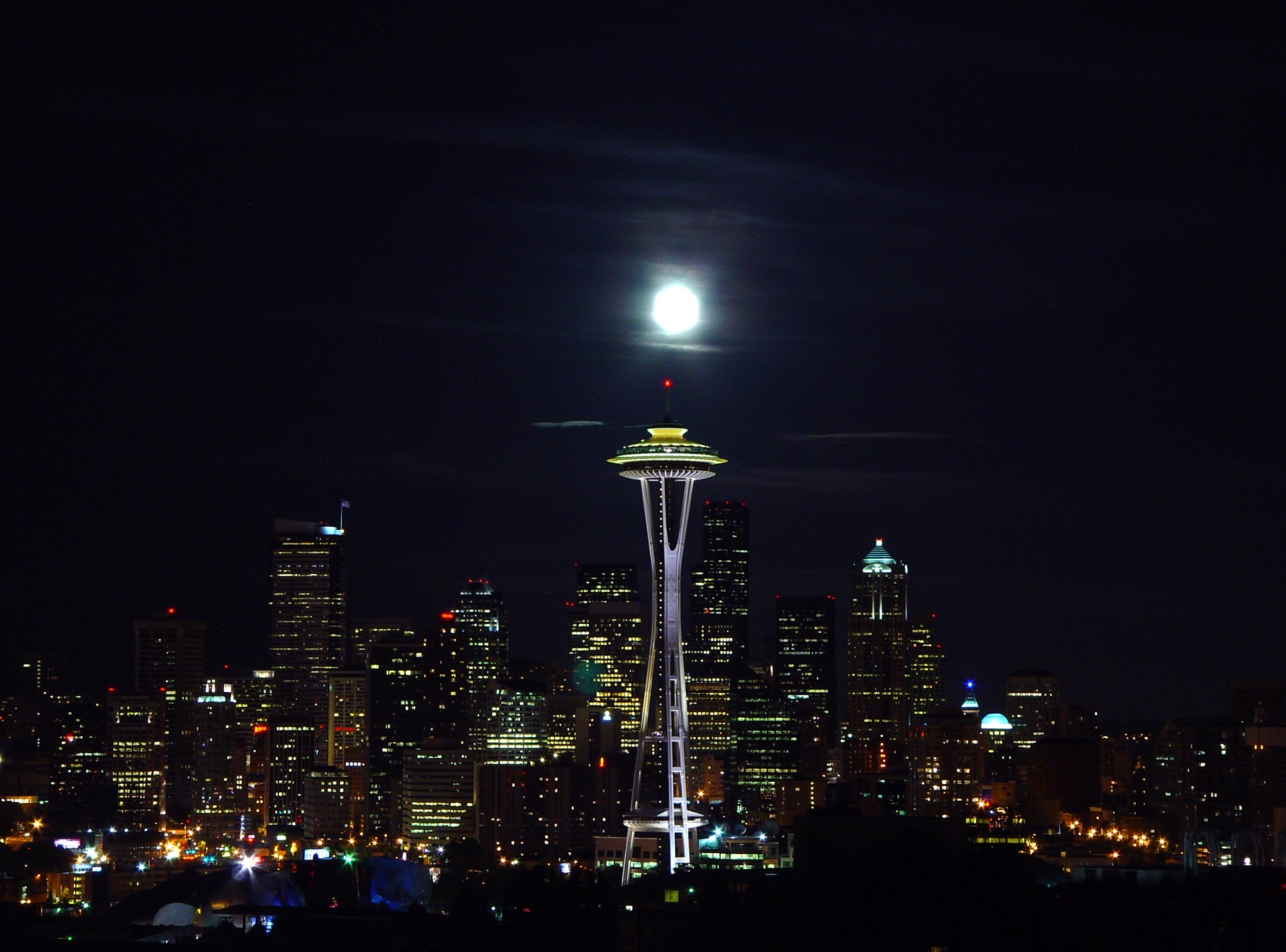 Description Seattle skyline nightjpg 2514x1862
