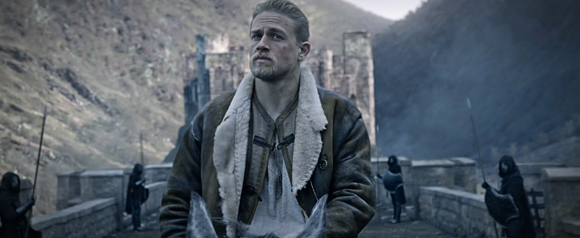 Charlie Hunnam King Arthur Legend of the Sword Movie 1920x790