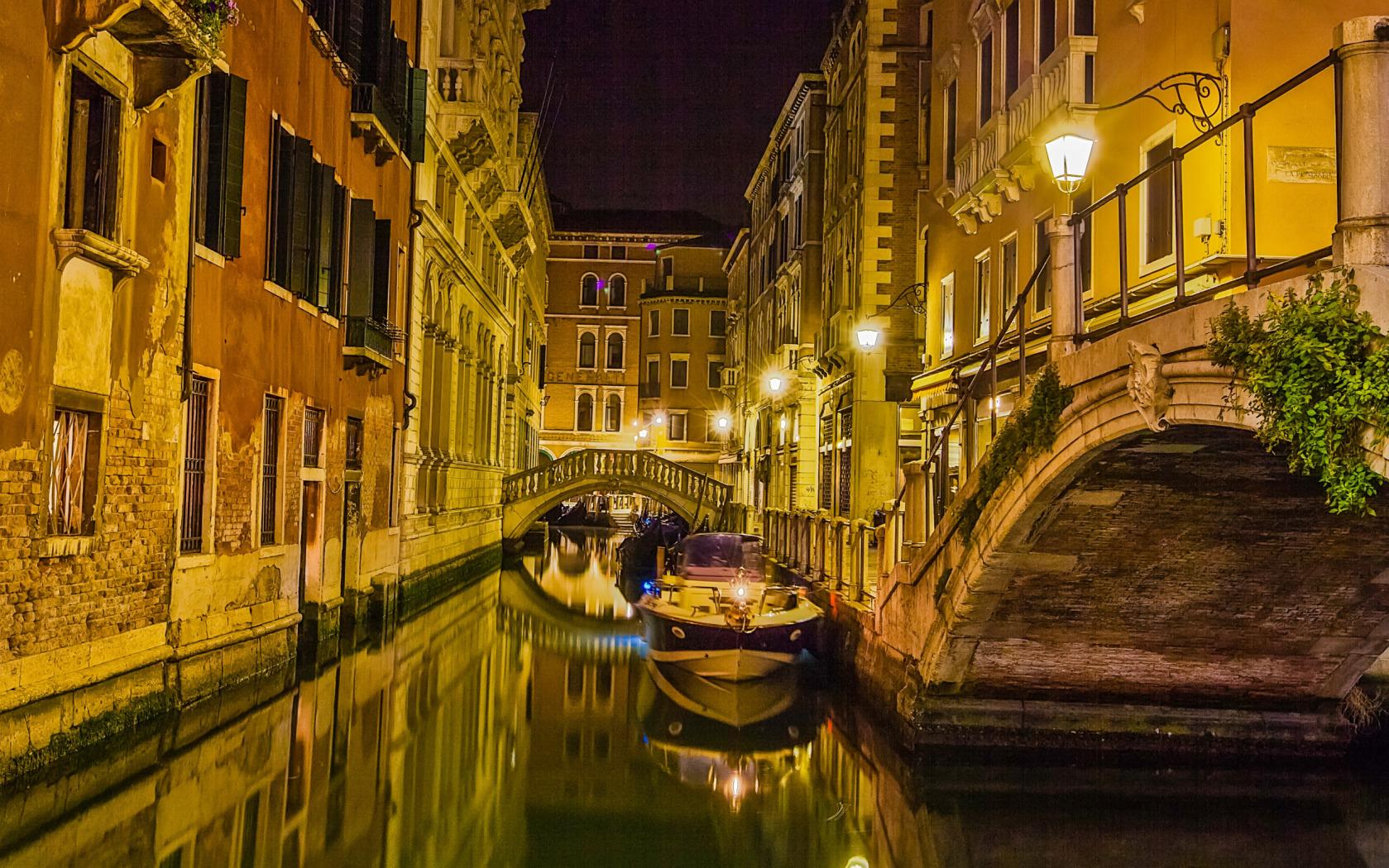 Quiet Night in Venice widescreen wallpaper Wide WallpapersNET 1679x1050