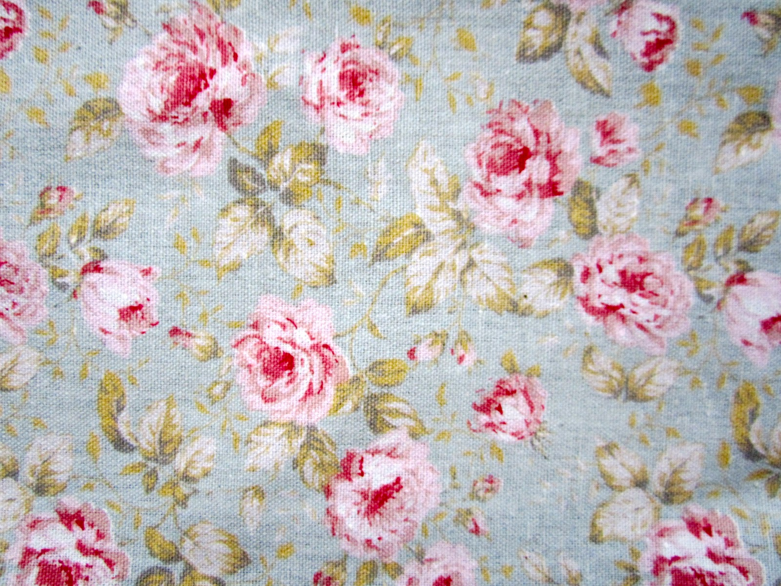 Vintage Pink Roses Wallpaper Two Tea Towels In A 1600x1200