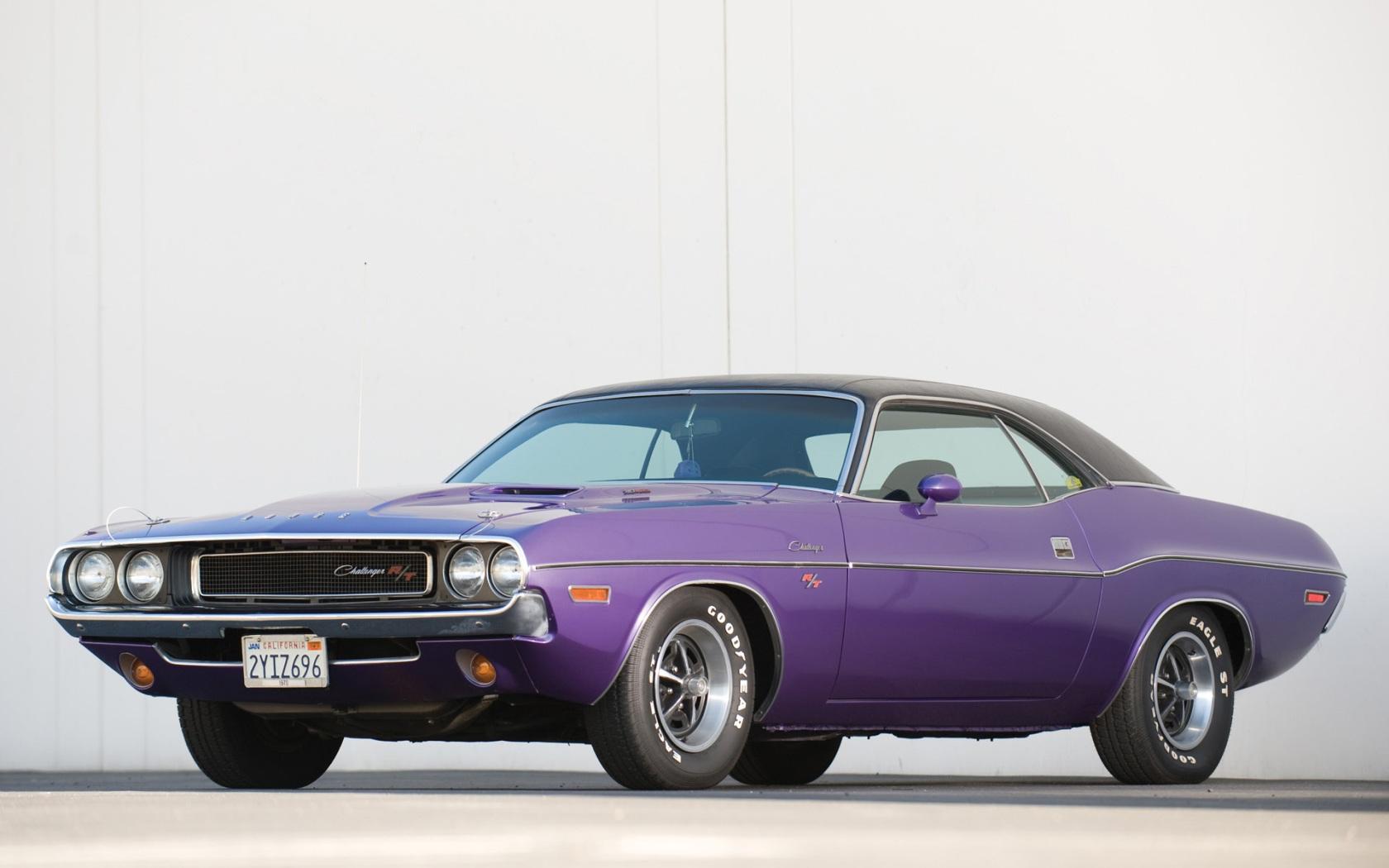 Dodge Challenger R T 1970 2 1680x1050