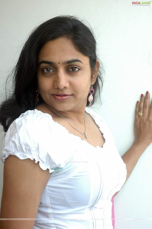 Lahari Tv Actress Auto Design Tech 1023x1541
