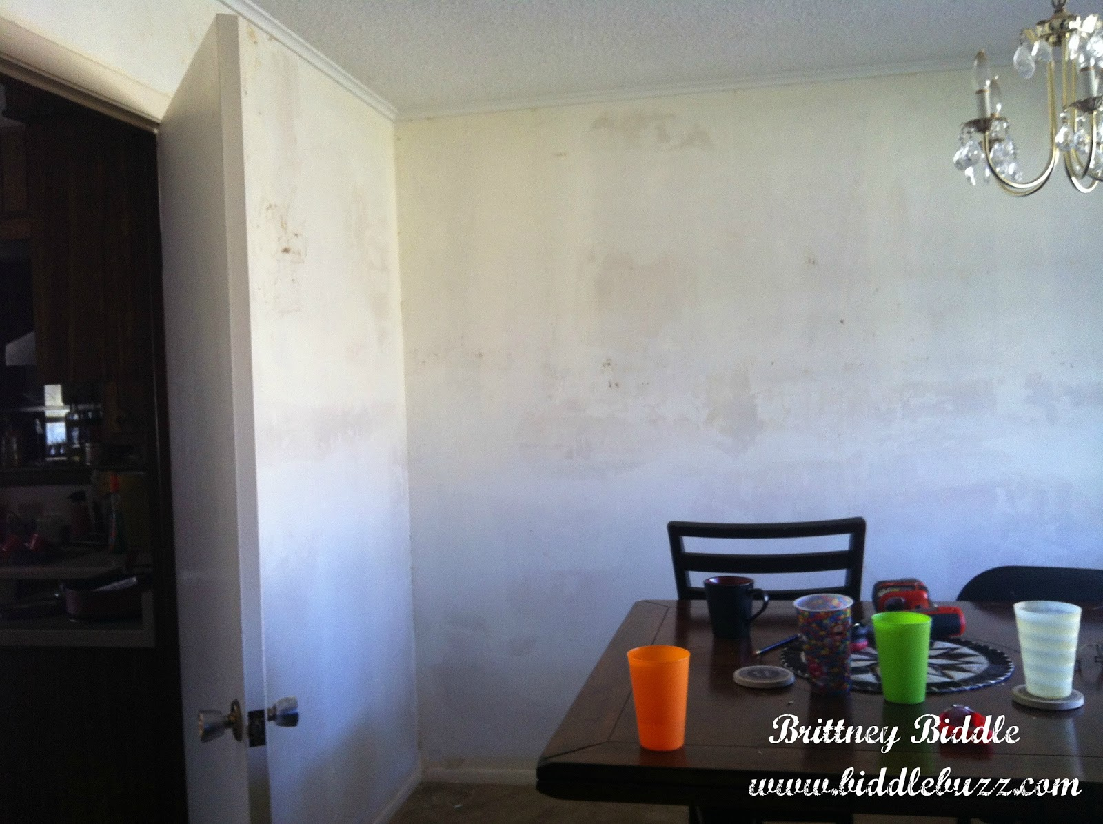 Removing Wallpaper with Fabric Softener 1600x1195