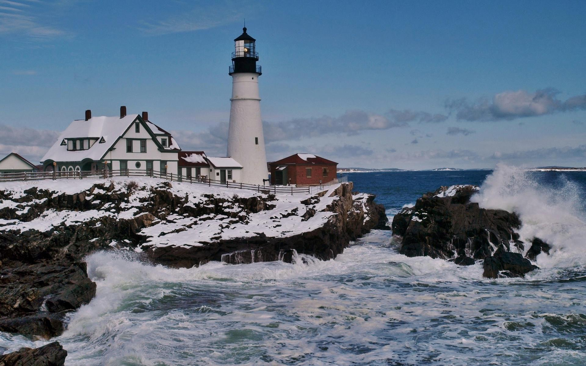 Lighthouse on a rough seashore in winter   163879   High Quality 1920x1200