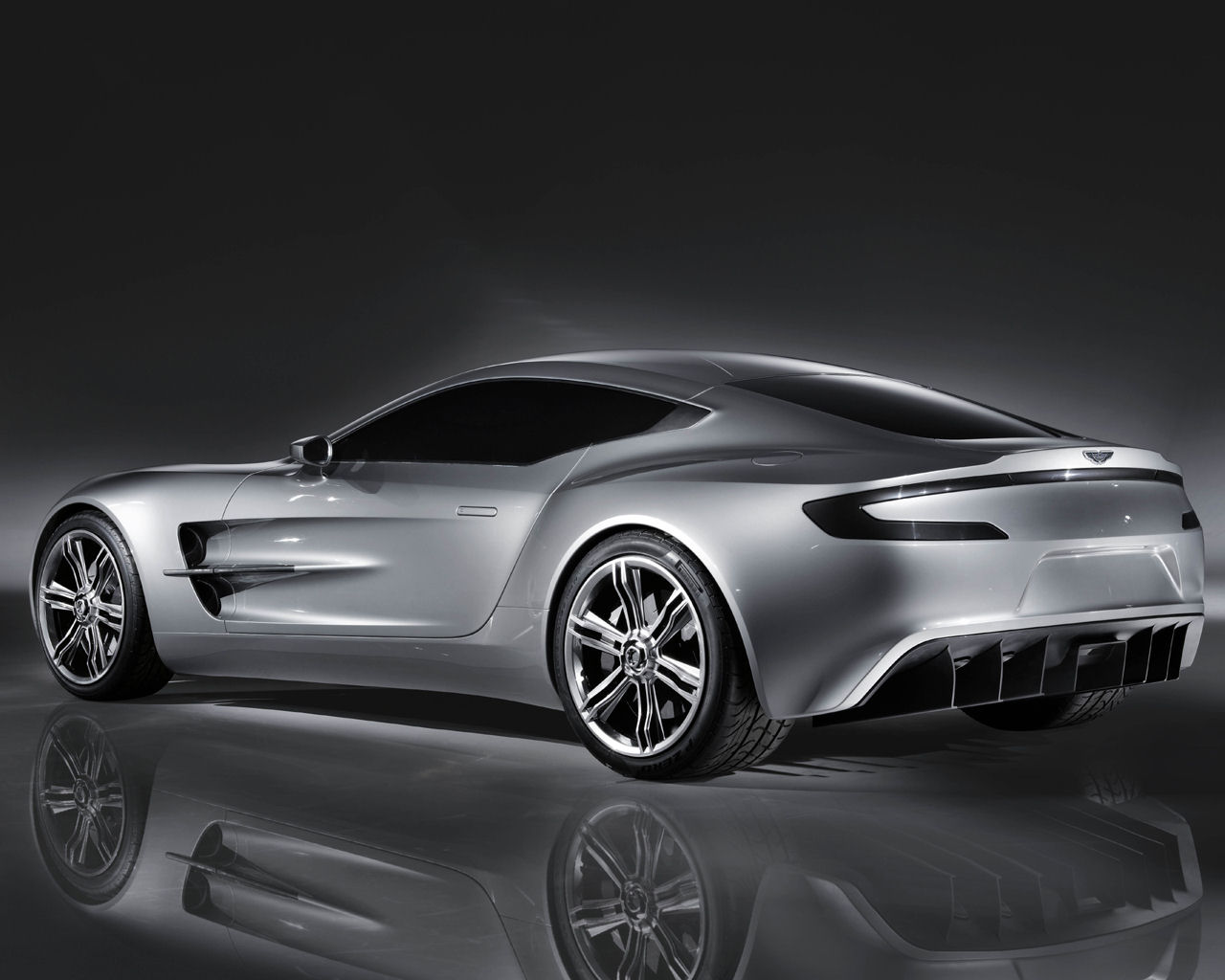 Aston Martin One 77   1280x1024 Wallpaper Desktop Background 1280x1024