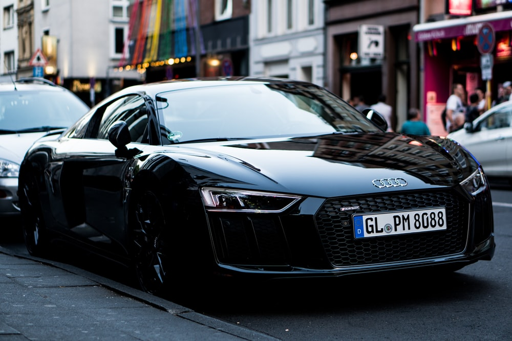 An Audi R8 GT parked on a side street HD photo by Conor 1000x667