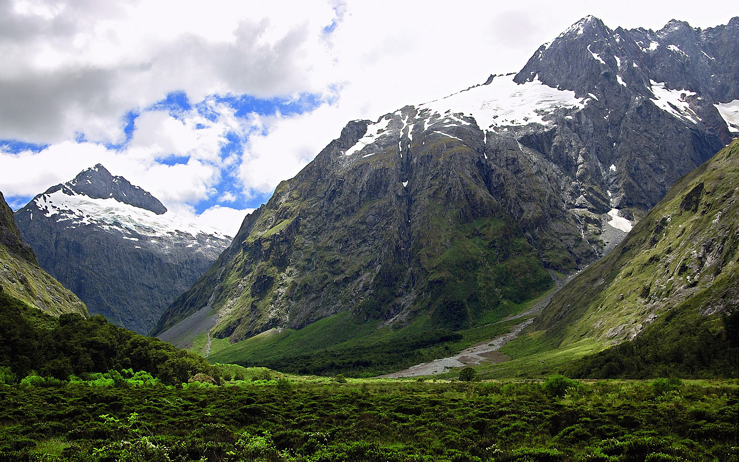 Wallpaper clouds New Zealand valley Mountain scenery in New Zealand 2560x1600