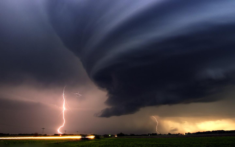 Mooie tornado achtergronden hd tornado wallpapers foto 02jpg 1440x900