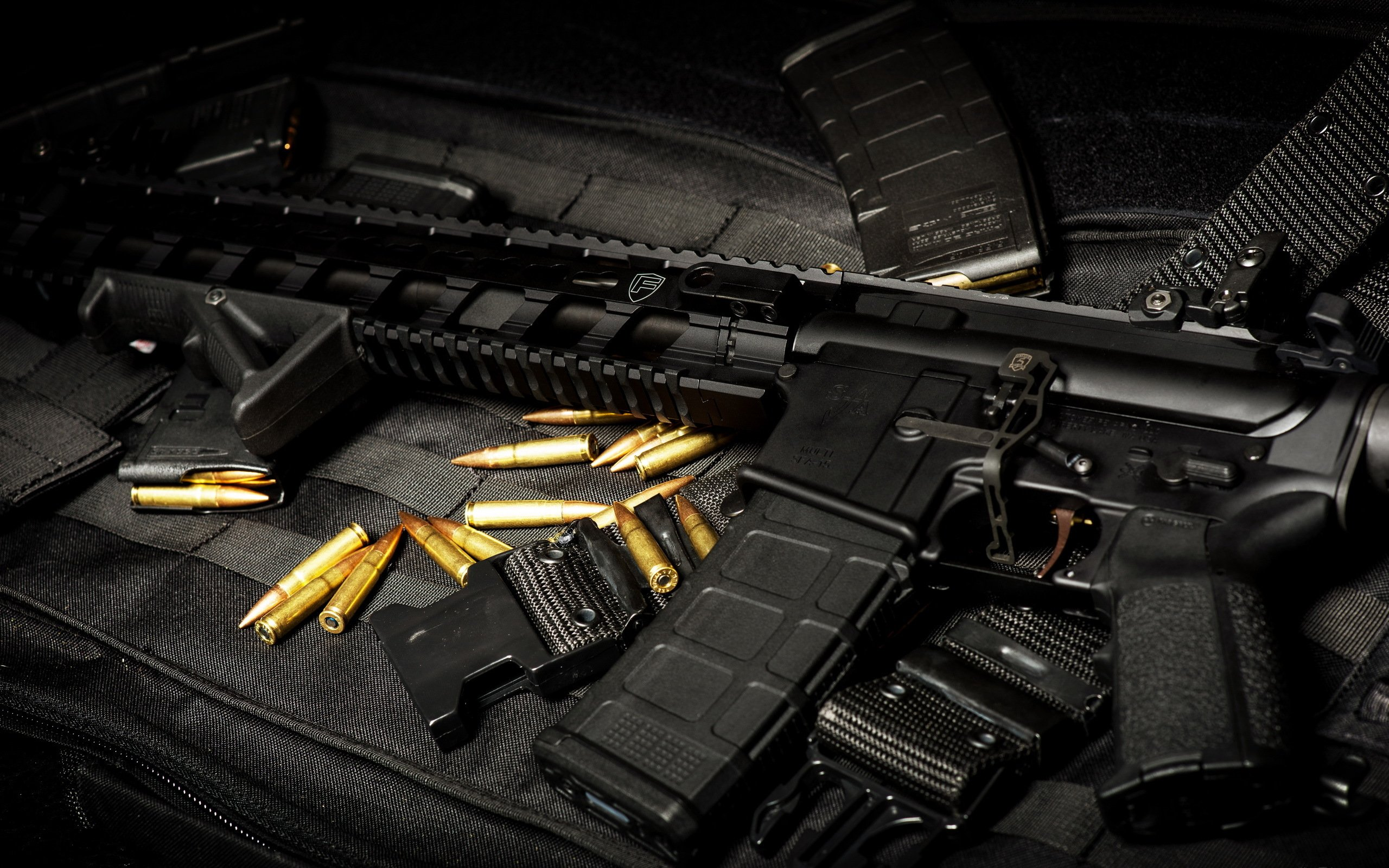automatic weapon ammo gun military police wallpaper background 2560x1600