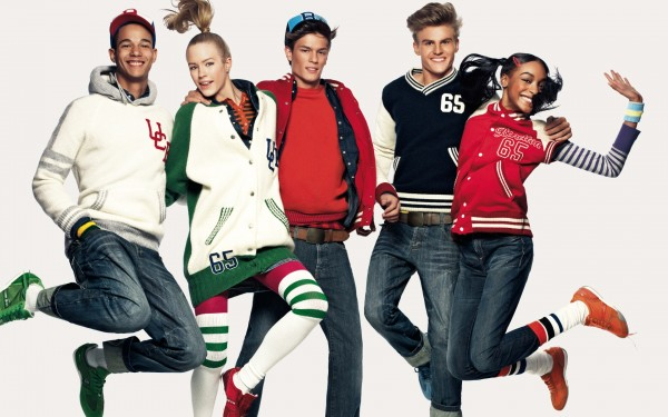 United Colors of Benetton Fashion for Teenagers widescreen wallpaper 600x375