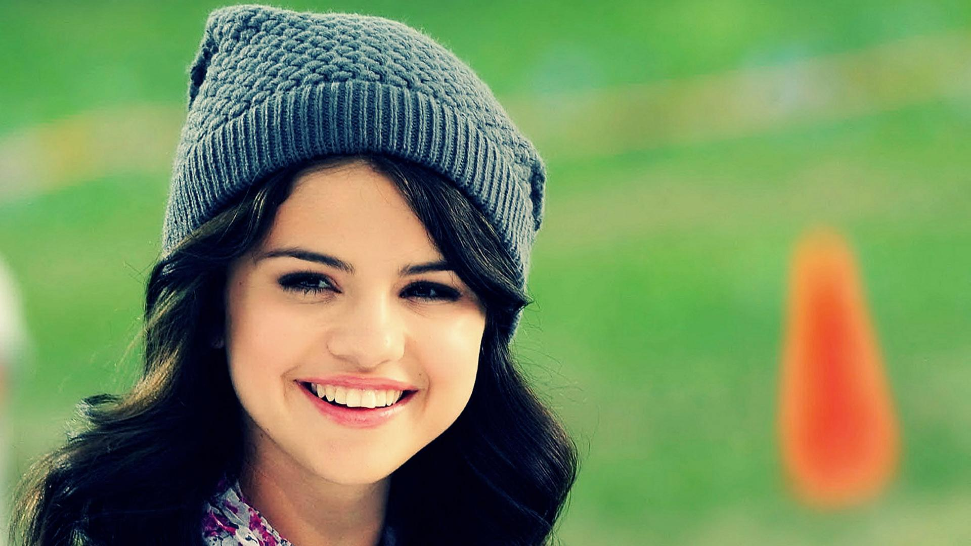Download Selena Gomez 2013 Lovely Wallpaper Wallpapers 1920x1080