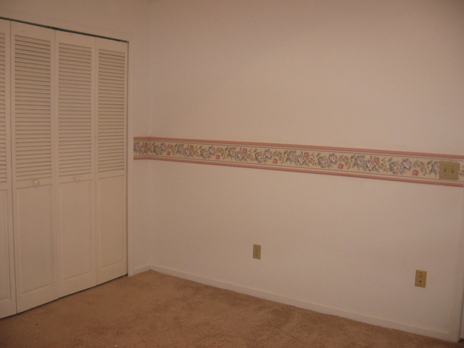 Cherry wood crown molding wallpaper border janet2B2 1600x1200