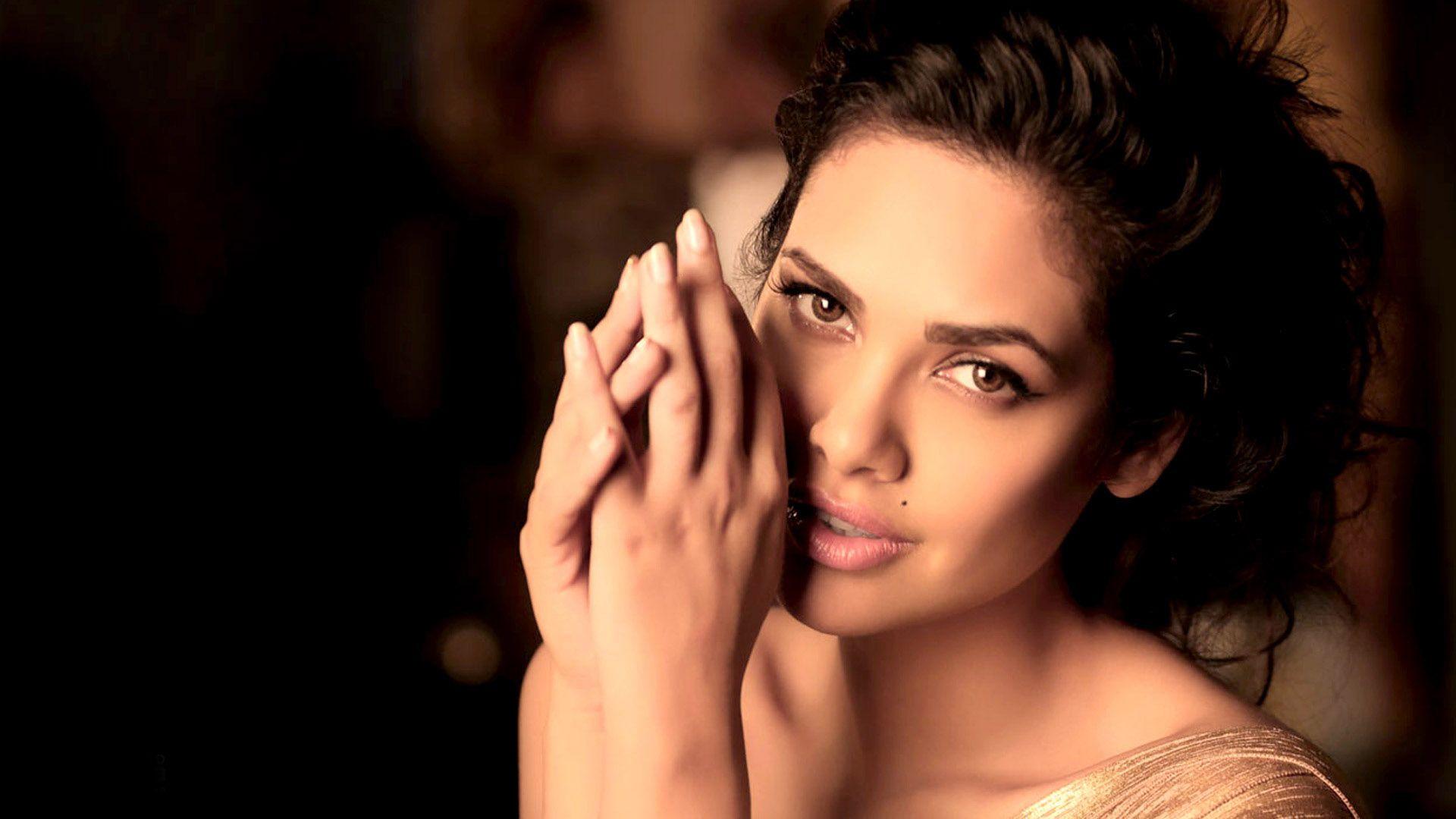 Actress Esha Gupta 2015 Wallpaper Wide or HD Celebrities Wallpapers 1920x1080