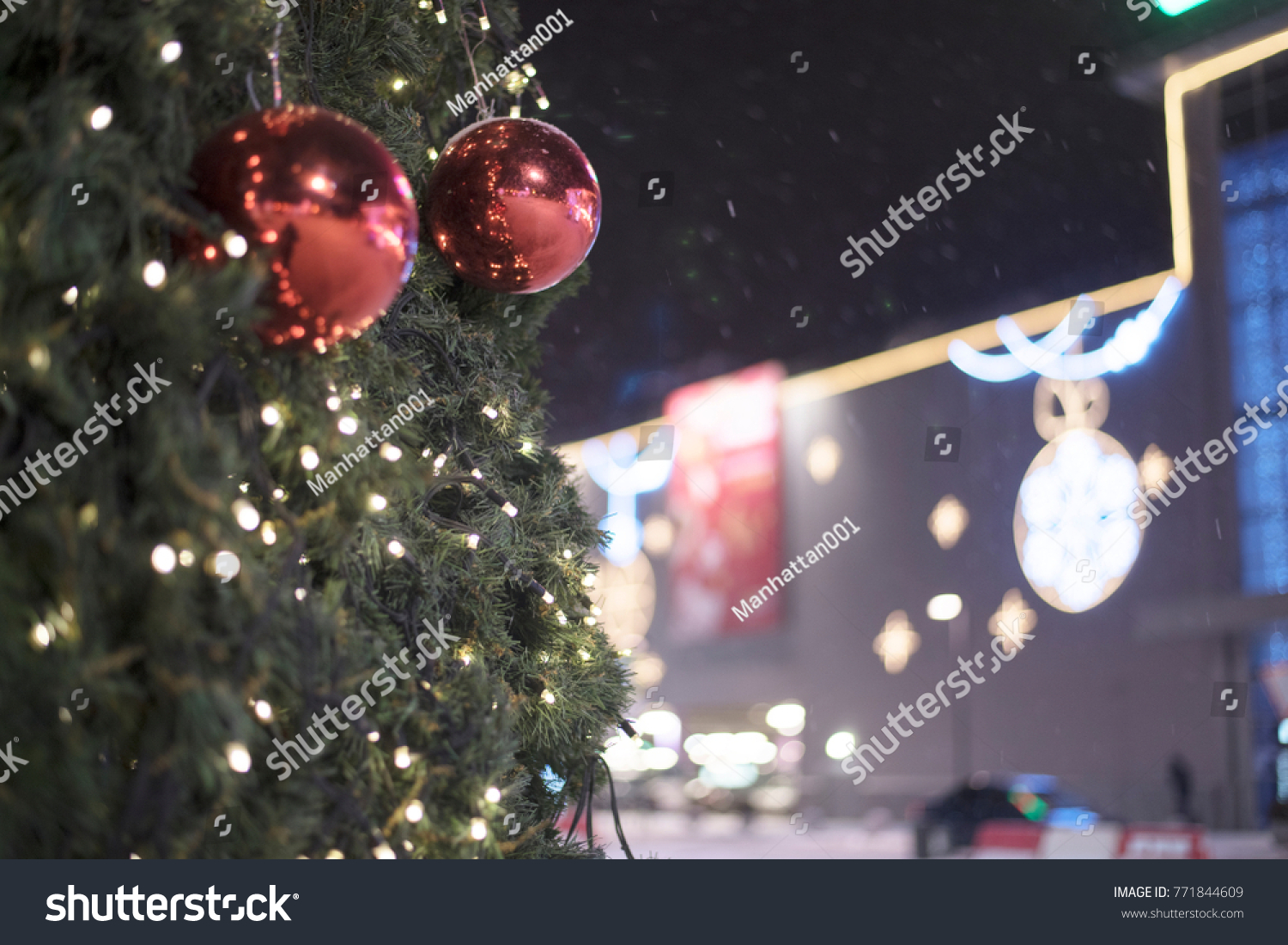 Red Christmas Ball Garland On Tree Stock Photo Edit Now 1500x1102