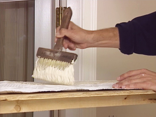 How to Apply an Embossed Wallpaper Ceiling Treatment how tos DIY 616x462
