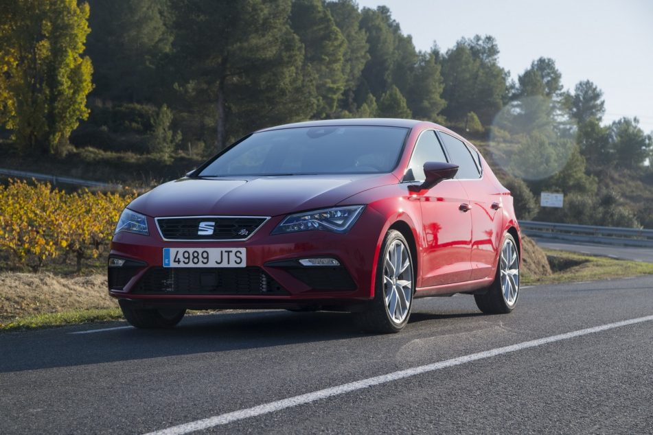 2019 SEAT Leon Front HD Wallpapers New Car Preview Rumors 951x634