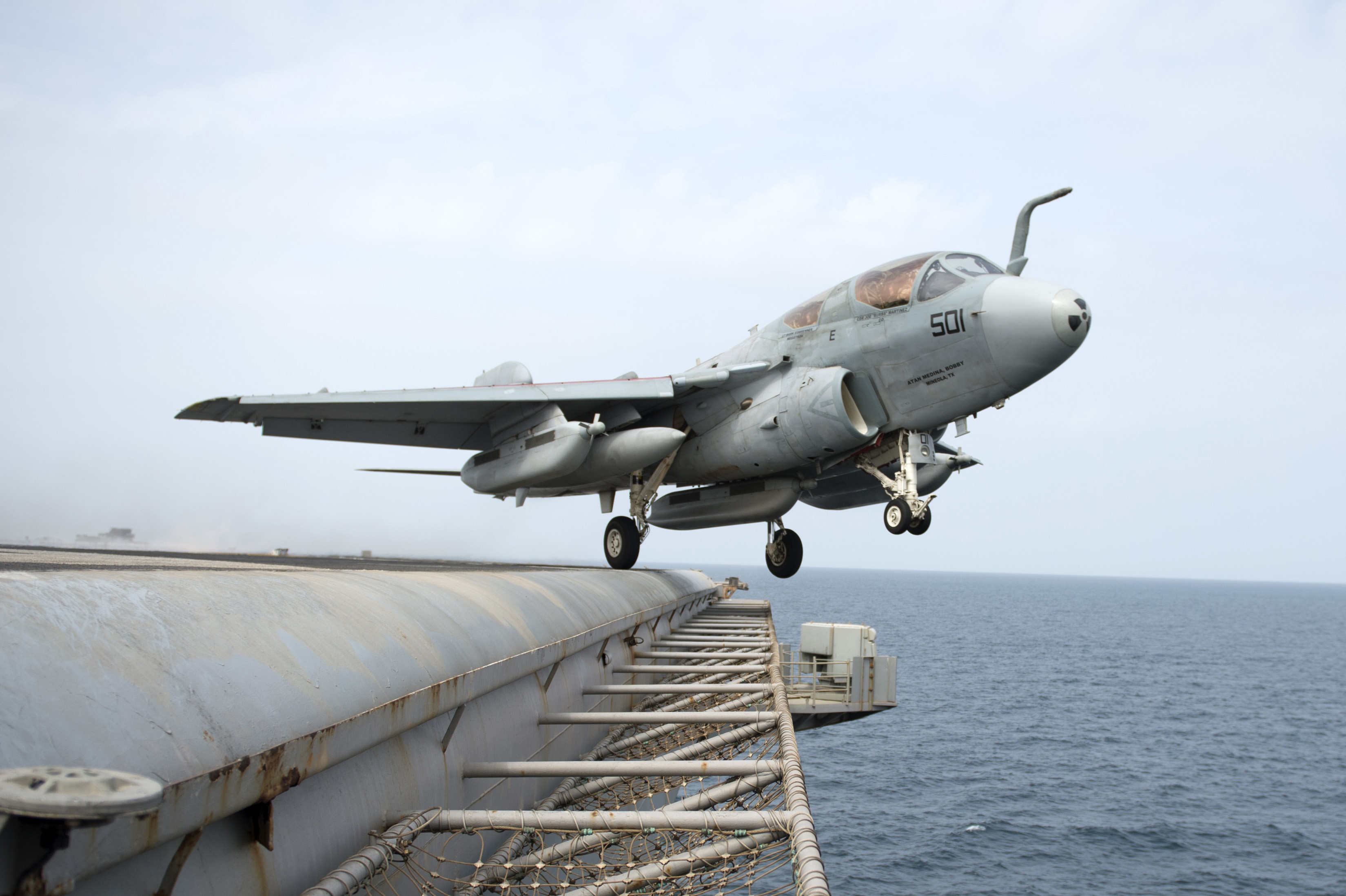navy the united states taking off from the deck wallpapers photos 3299x2196