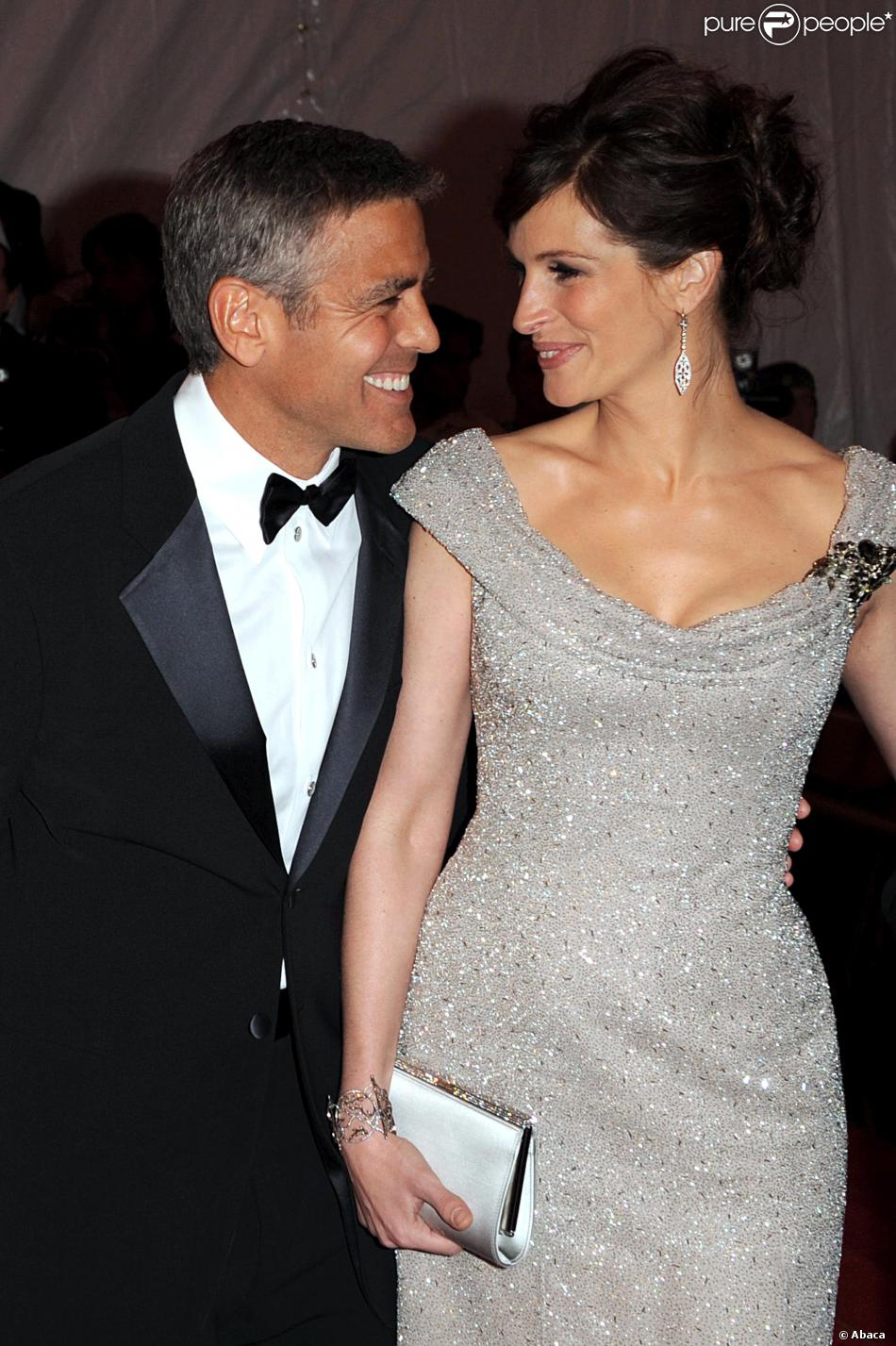 Heres Proof That Clooney Only Gets Better With Age   Page 3 950x1427