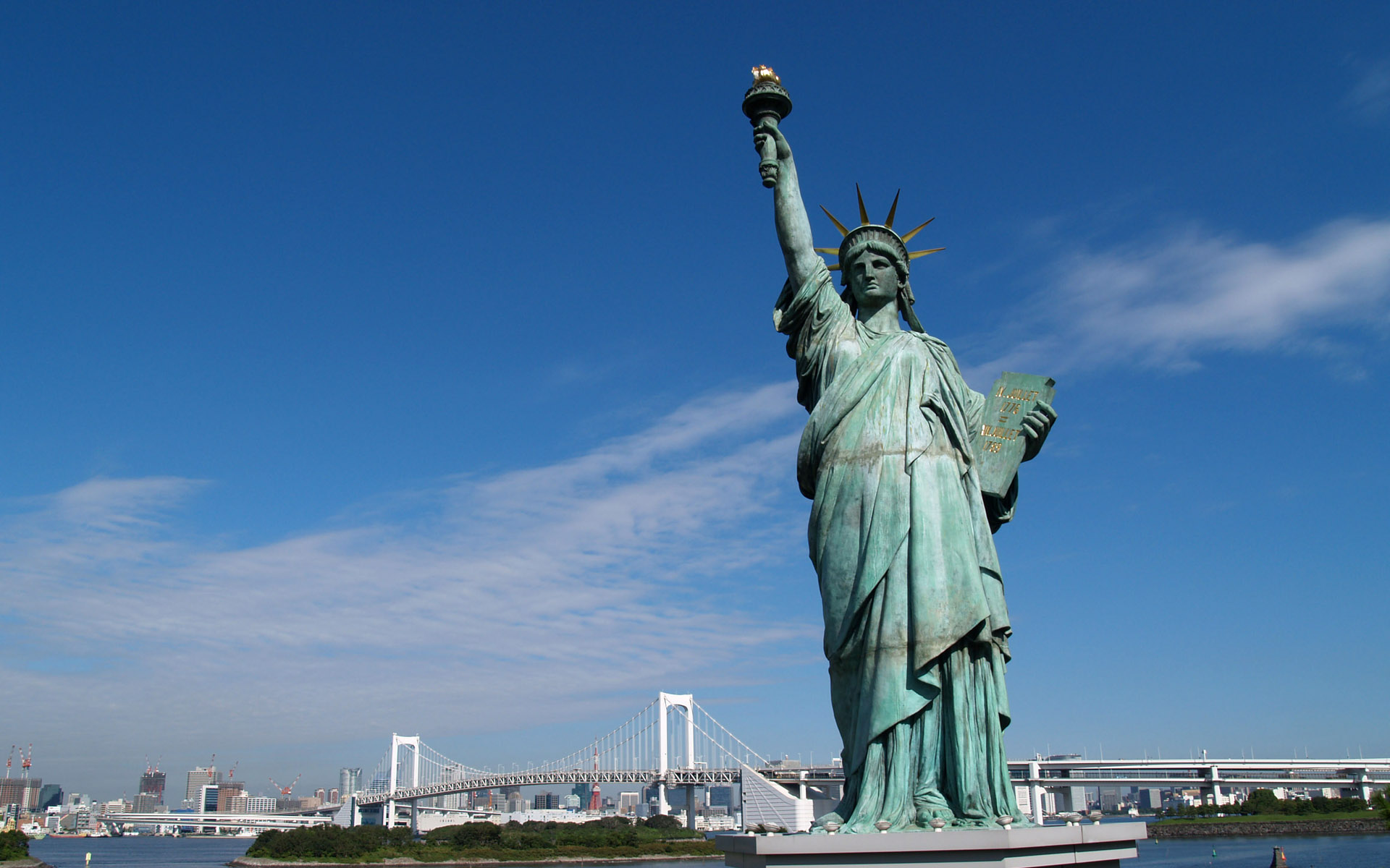Statue of Liberty wallpapers and images 1920x1200