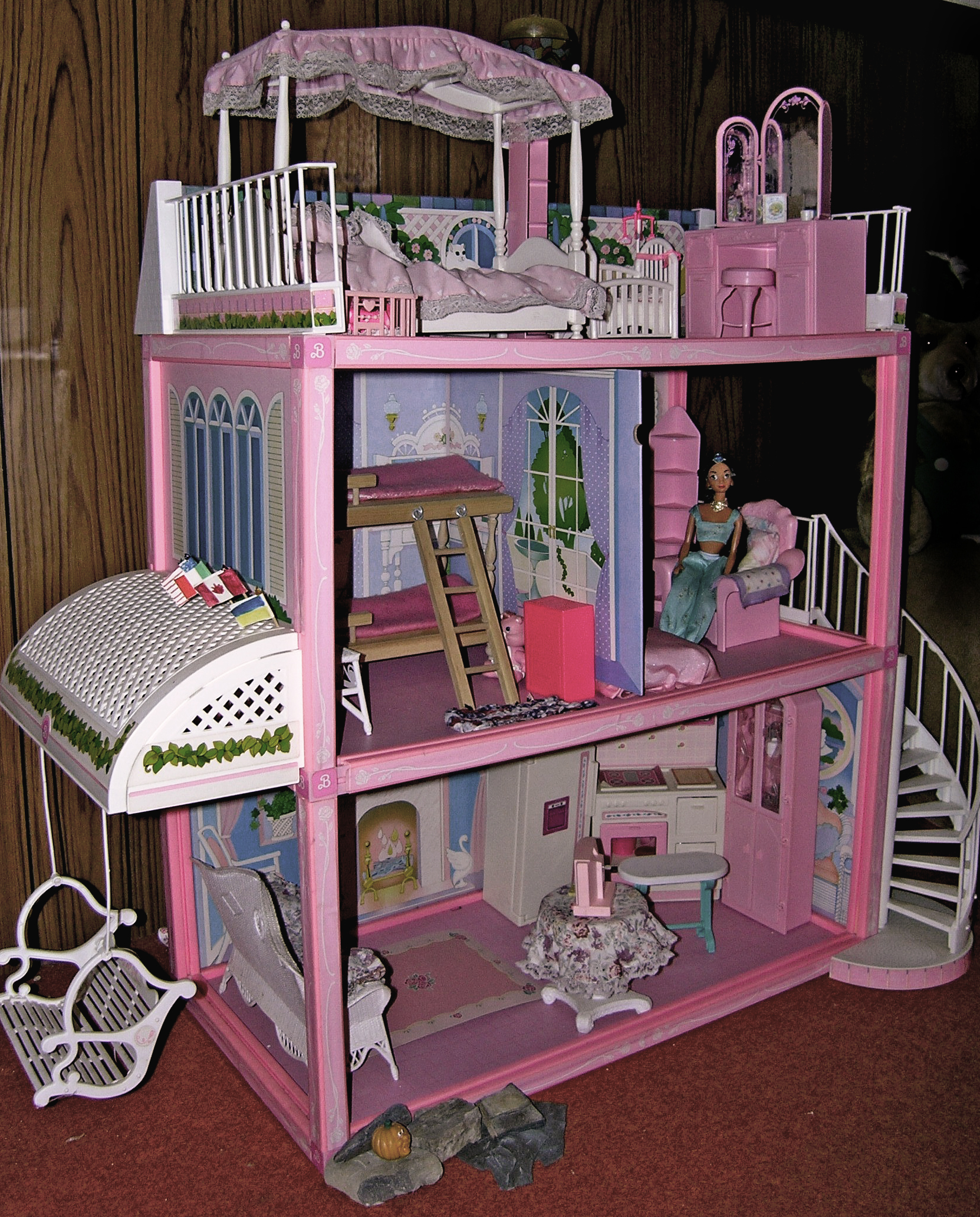 Barbie dollhouse wallpaper wallpapersafari for All barbie house decoration games