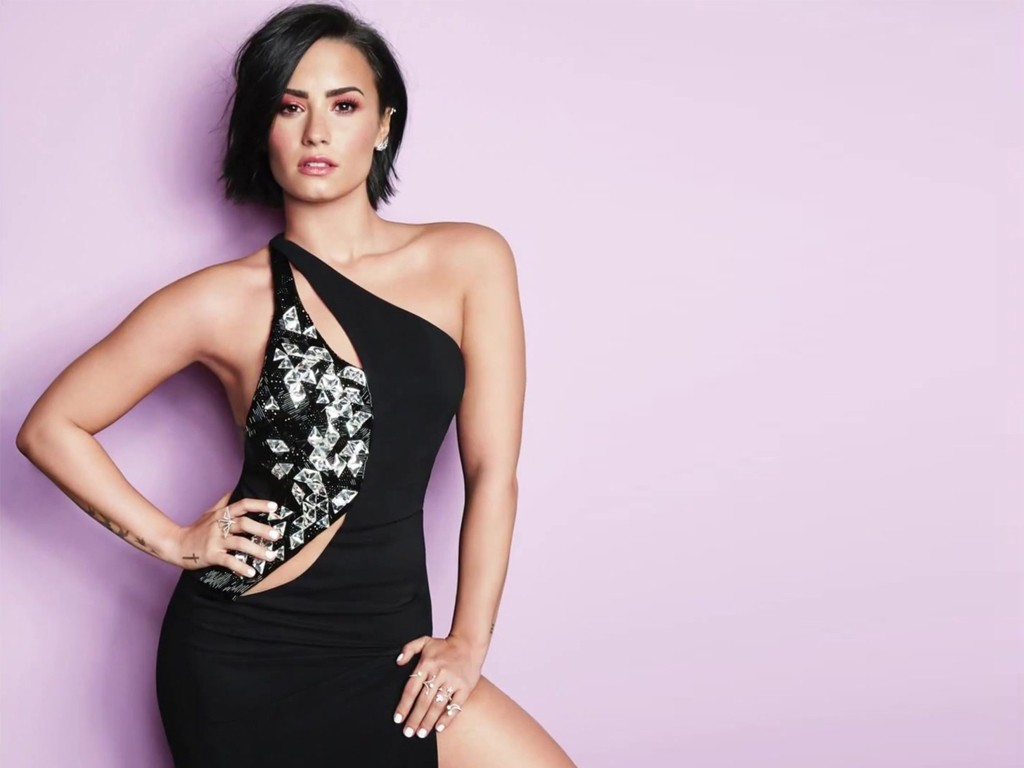 Sexy Demi Lovato Cosmopolitan HD Wallpapers   Desktop Wallpapers 1024x768