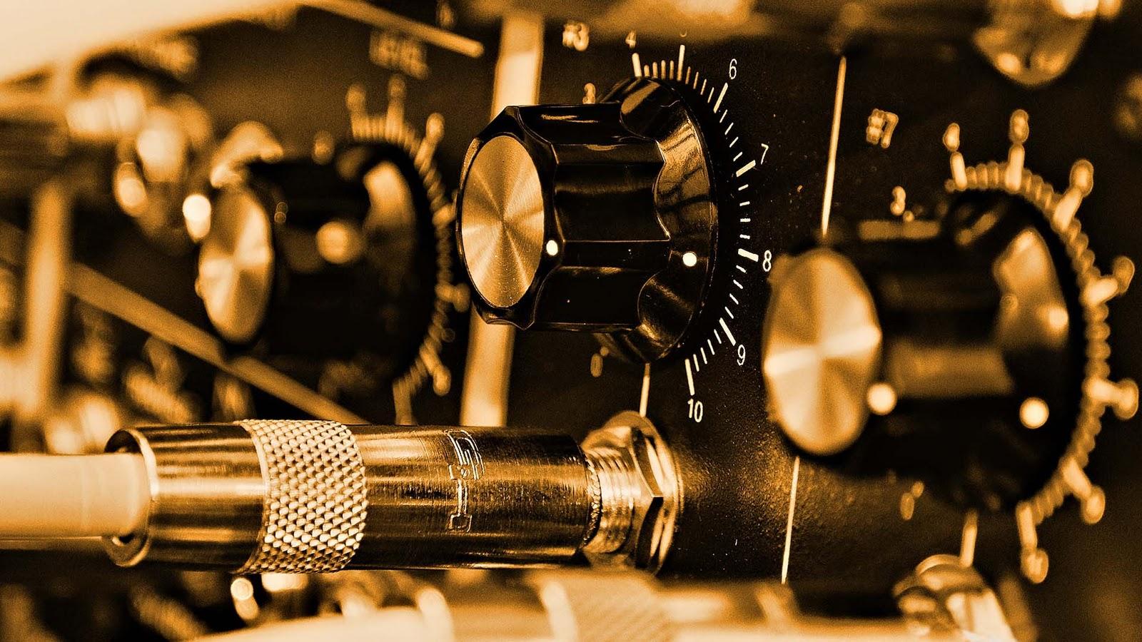 Amplifier Controls Music Desktop HD Wallpaper 1920x1080 1600x900