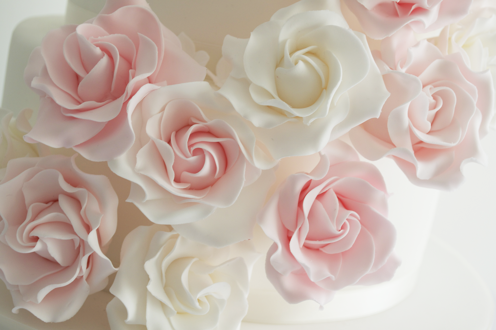 White Wedding Cake With Roses Red