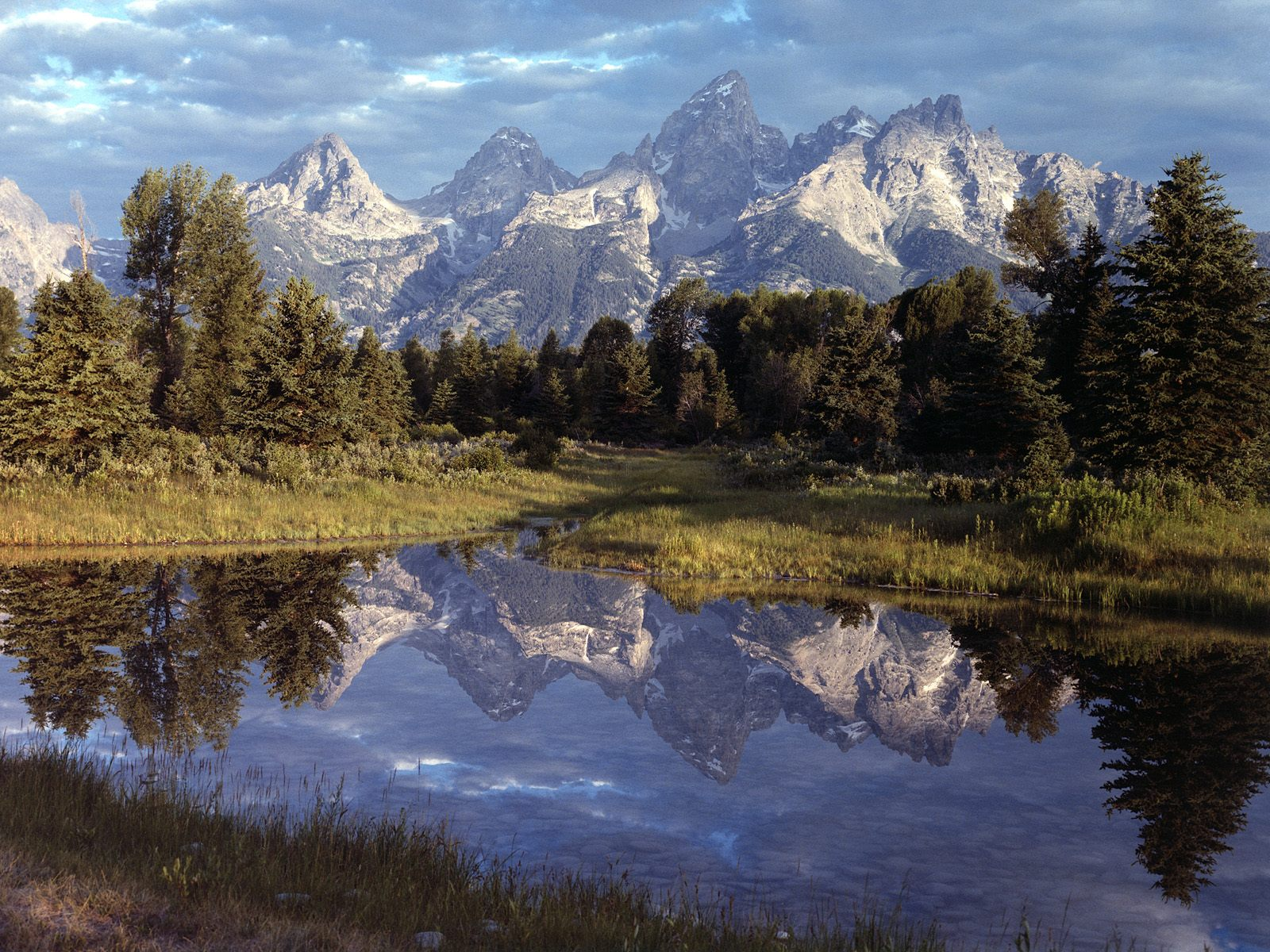 Reflections Yellowstone Wallpapers Photos Pictures and Backgrounds 1600x1200