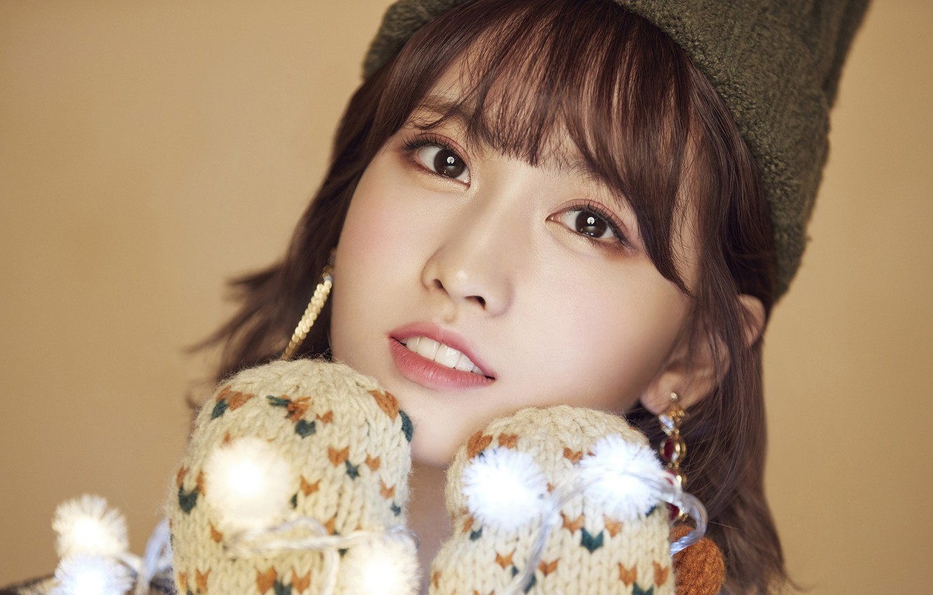 Wallpaper Girl Music Kpop Momo Twice Merry and Happy images 1332x850